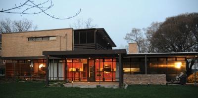 The Heimbach House, designed by architect Bertrand Goldberg.