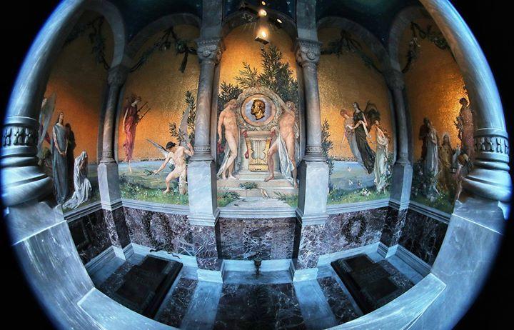 La tomba del Maestro Giuseppe Verdi Foto di Andrea Cherchi #milanodavedere Milano da Vedere