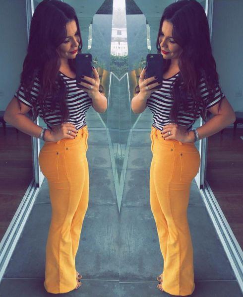 Além de uma fofa, a atriz Fernanda Souza arrasa nos looks! Com Estilo Moderno, seus looks são sempre atuais, com tendências da moda e com toque colori...