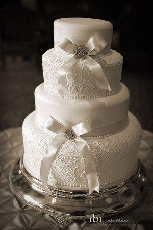 Elegant white cake.