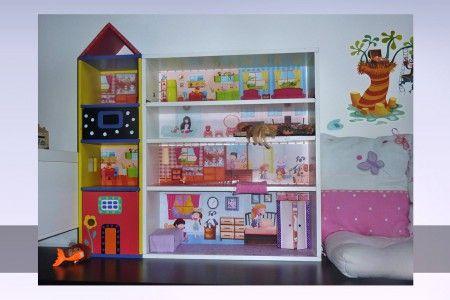Doma vyrobený domeček pro panenky