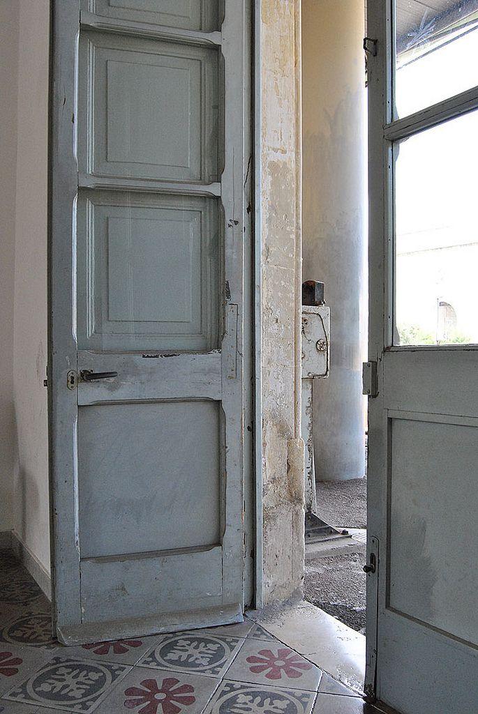 grey doors:
