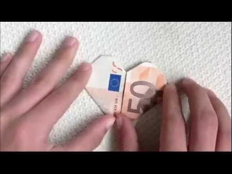 Geld origami: Een hartje met 50 euro