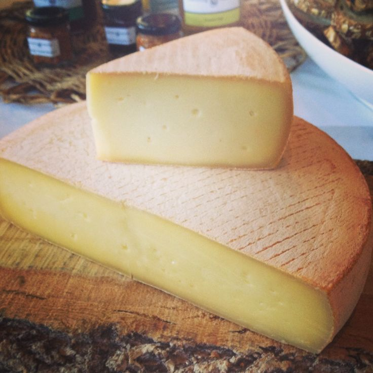 Try serving la baluchon - Canada's top cheese - at your Canada Day fete: http://gustotv.com/food/2014/05/30/eat-best-cheese-canada/