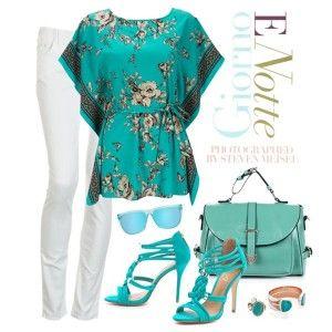 С чем носить бирюзовые босоножки: белые брюки, бирюзовая туника, голубая сумка, бижутерия