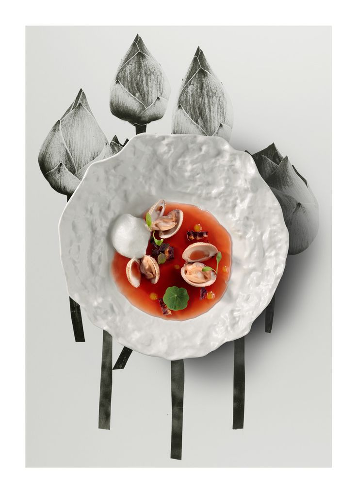 Bouillon of clams flavored with hibiscus and beer foam. 3rd Qzine issue. http://www.qzine.gr/