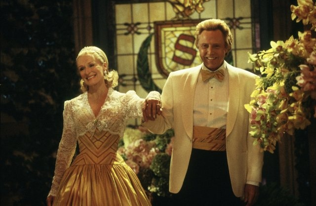 Still of Glenn Close and Christopher Walken in The Stepford Wives