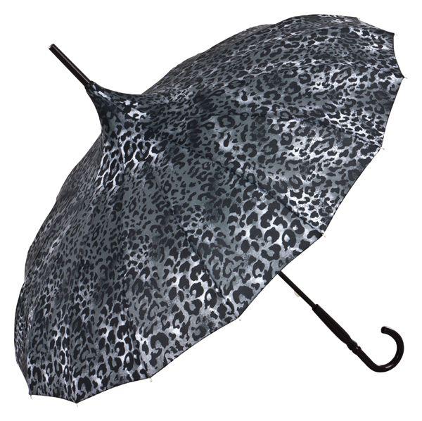 "Pagode ""Cécile"", Anakonda (animal print) #pagode #pagodenschirm #umbrella #boho #bohochic #bohemian #store #lifestyle #design #fashion #accessories #streetstyle #sunshine #rain #rainyday #print #exclusive #rainyweather #vonlilienfeld #singingintherain #schirm #regenschirm #travelinstyle #raindrops #dontworry #behappy #designer #parasol ☔️"