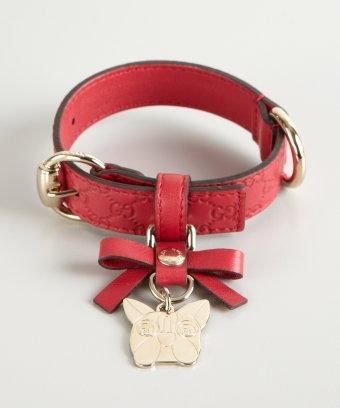 Gucci : red guccissima leather charm dog collar