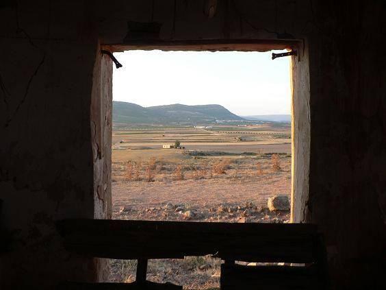 La llanura de Alpuente y Titaguas, vista desde la aldea deshabitada de Campo Chelva (La Serranía de Valencia).Vía @PoblesValAbando.