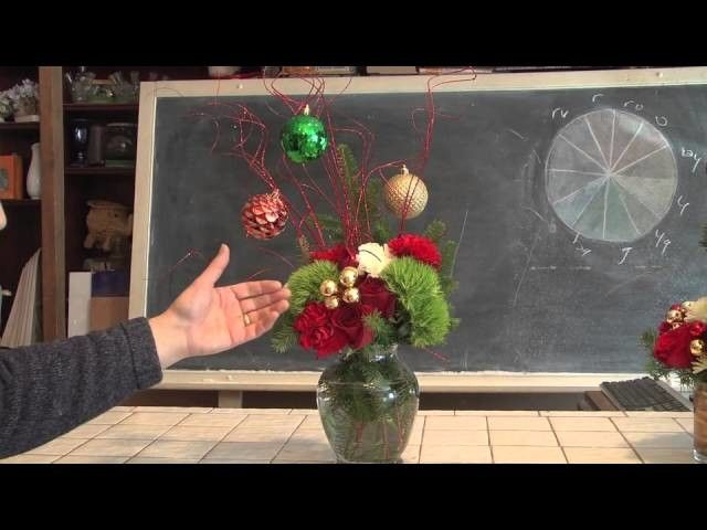 Wonderful Christmas Floral Designs Using Everyday Materials