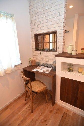 造作小窓の似合う家 - ナチュラルな家やシンプルな家を建てるならデザイン住宅にこだわった滋賀のグラッソへ