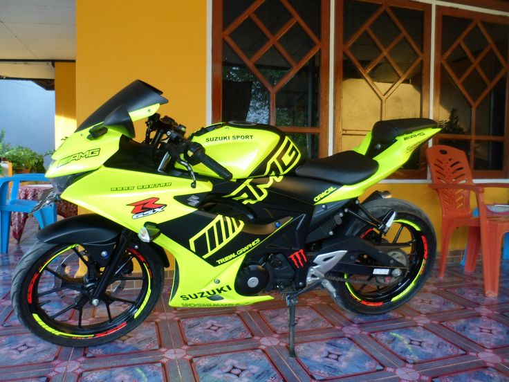 Sticker Motor Sorong,Wrap & Cut Suzuki GSX-R    #TribalGraphics #CuttingSticker #3DCuttingSticker #Decals #Vinyls  #Stripping #StickerMobil #StickerMotor #StickerTruck #Wraps  #AcrilycSign #NeonBoxAcrilyc #ModifikasiMobil #ModifikasiMotor #StickerModifikasi  #Transad #Aimas #KabSorong #PapuaBarat