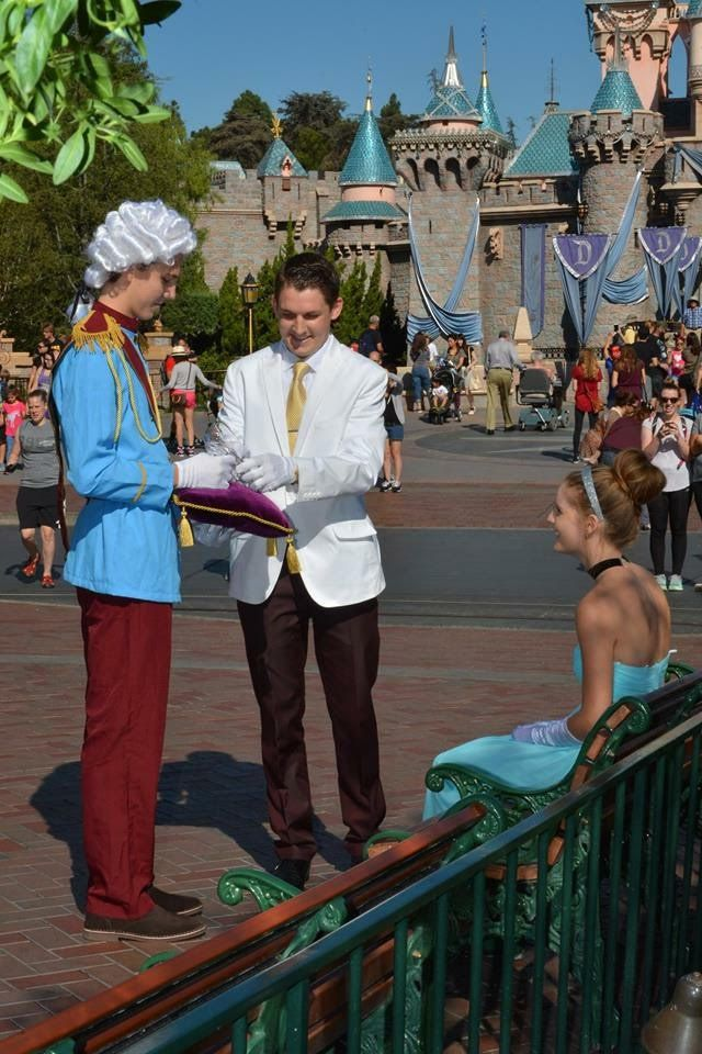 112 Best Disney Proposals Images On Pinterest Proposals Wedding