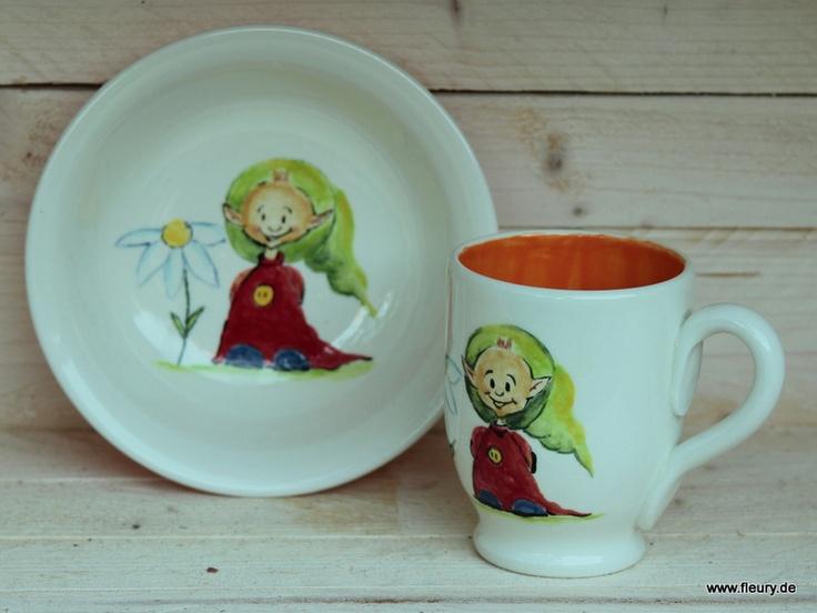 Handgefertigte Tasse und Schale aus Ton. Das Keramik-Geschirrset wird nur zusammen verkauft.    Tasse für Individualisten oder Kinder :-)! Ich habe diese Tasse und die Müslischale selbst hergestellt und handbemalt.    Jede Tasse/Müslischale ist einzigartig und ein Unikat!    Die Wichtel-Tasse und Wichtel Müslischale ist spülmaschinenfest und säurebeständig und kann im täglichen Gebrauch genutzt werden!
