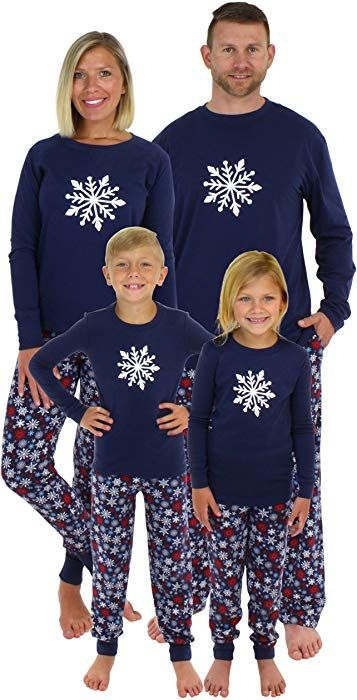 b81724f44c Amazon.com  Sleepyheads Holiday Family Matching Winter Navy Snowflake  Pajama PJ Sets - Kids (SHM-4034-K-RIB-10)  Clothing