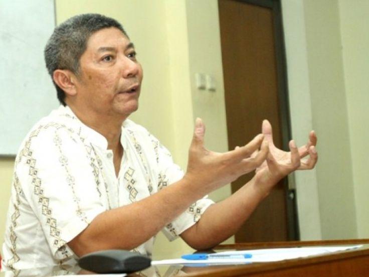 Direktur eksekutif Global Future Institute, Hendrajit mengatakan bahwa mencuatnya isu ISIS di Indonesia merupakan stigmatisasi bahwa Islam adalah agama radikal.