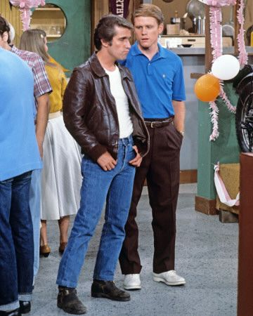 Happy Days - Fonzie and Richie inside Arnold's Diner