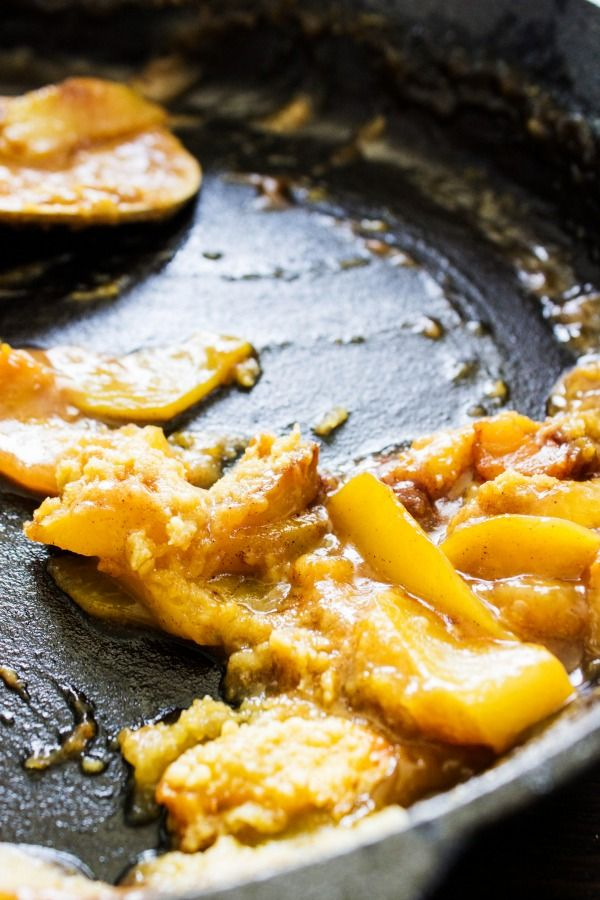 A delicious and easy skillet peach cobbler recipe, perfect for summer!