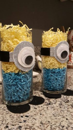 Minion Centerpieces