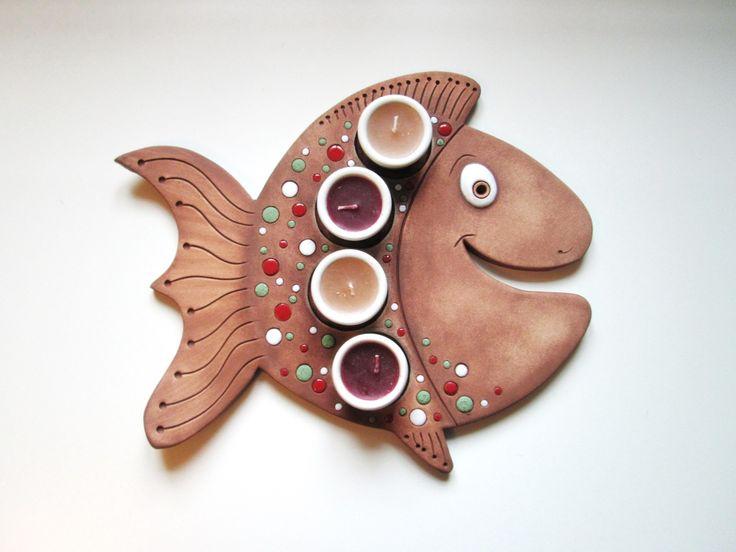 Adventní svícen - Kapřík Keramický adventní svícen na 4 svíčky ve tvaru rybičky…