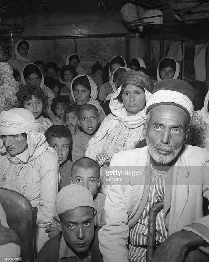 ١٢ يونيو ١٩٤٨ حيفا صورة نادرة وبجودة تصوير عاليه الدقة مهاجرون فلسطينيون من حيفا من كبار السن من الرجال والنس Rare Pictures Photo And Video Instagram Photo