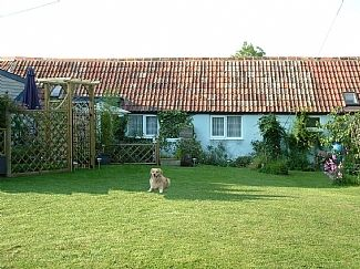 Cottage in Blandford Forum, Dorset, England. Book direct wth private owner. E8372