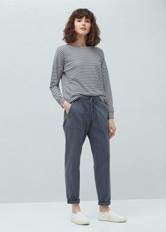 Pantaloni in buzunare