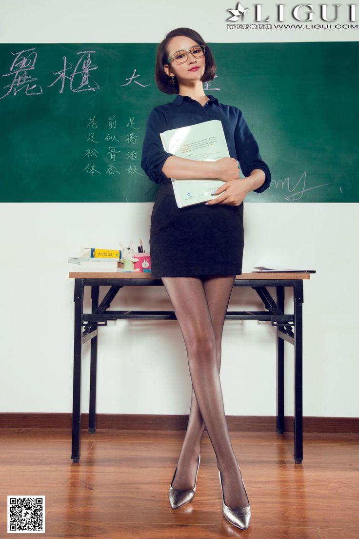[Ligui丽柜] AMY - 教室里的黑丝女教师_第2页/第4张图