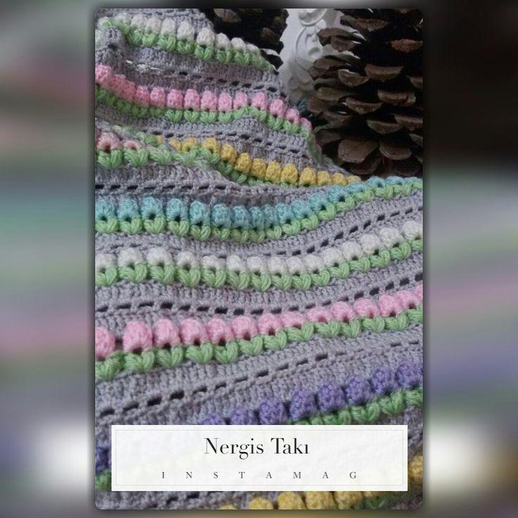Tığişi puset battaniyesi  #elişi #handmade #tığişi #crochet #babygirl #babyblanket #bebek #pusetbattaniyesi #bebekbattaniyesi #rosestitch #emek #göznuru #rose #gül #bahar #spring #özeltasarım #specialdesing #benyaptımoldu #nergistakı