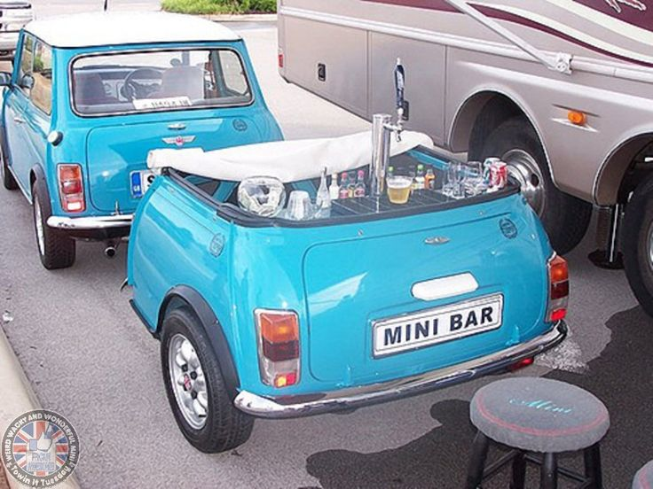 Mornin Miniacs (Yes I know... only just) Anyone else fancy a pint this lunch time??? Where's this brilliant Towin Tuesday Mini Bar when you need it eh... Have a great day folks