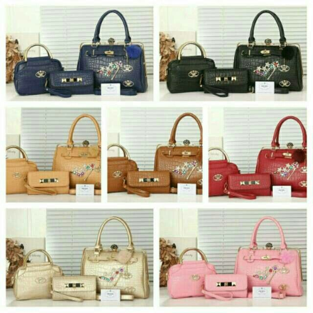 #altas#tasprada #pradabag #prada  270rb Prada Gama 8326 set 3in1 bahan kulit embos kualitas Semi Premium uk 32x15x21 berat 1.6 kg (ongkir 2kg).dc Ready 7wrna (Black Red Apricot igold Brown Pink Blue) BB 5994f533 WA 085765037530/08566549554 Tokopedia Hasna Wakhid olshop FB Hasna Wakhid tas