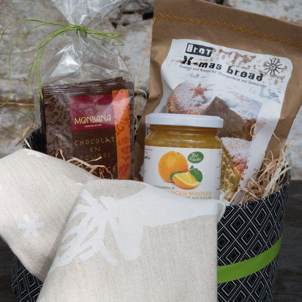 eine Hutschachtel: weihnachtliche Backzutaten in edler Verpackung/ hochwertige und originelle Kundengeschenke mit Logo und Versandservice www.benefizshoppen.de