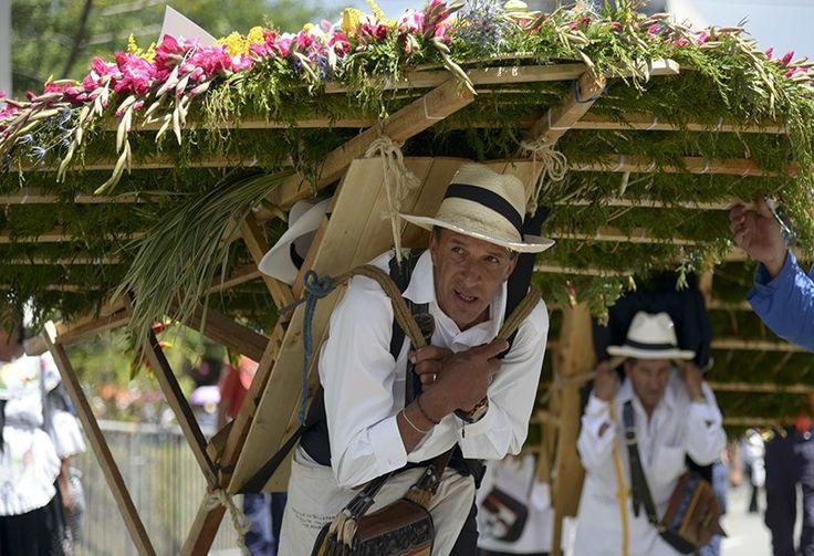 Entre fútbol, Gabo y la paz se movieron los silleteros en la Feria de las Flores