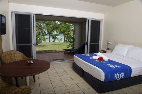 Beachfront Studio - The Beachfront Studios are spacious self-contained units each with a king or twin beds, perfect for 1-2 people.