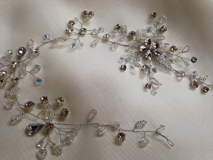Delicate swarovski crystal and diamante hair vine.