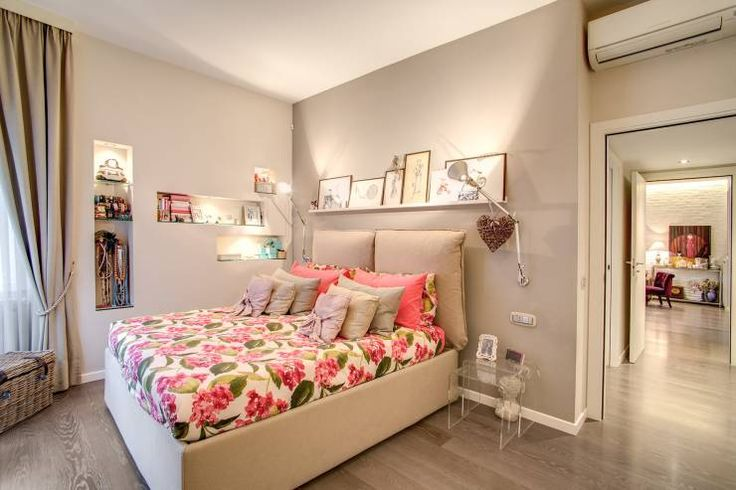 Casa MC coviello: Camera da letto % in stile % {style} di {professional_name}