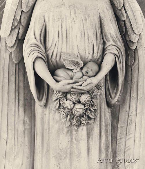 Jonti as an angel: Anne Geddes