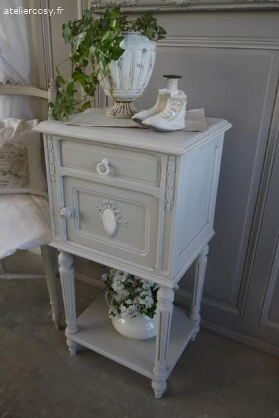 Brocante and atelier on pinterest - Meuble ancien patine gris ...