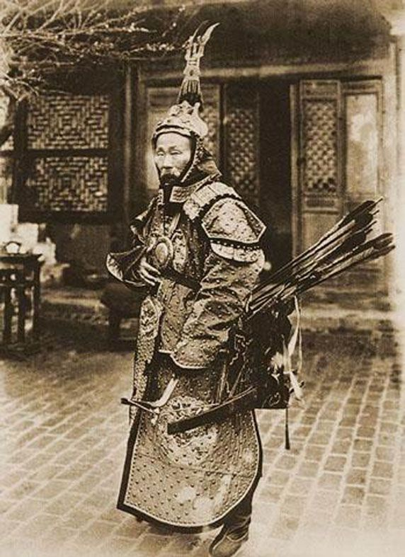 Fe Doro - Manchu archery: Su Yuanchun was one of the last great warrior Manchus, distinguished himself in the field, moving from soldier to general. He commanded a force against the technologically advantaged French at the battle of Zhennan Pass, which was won by the Chinese side.