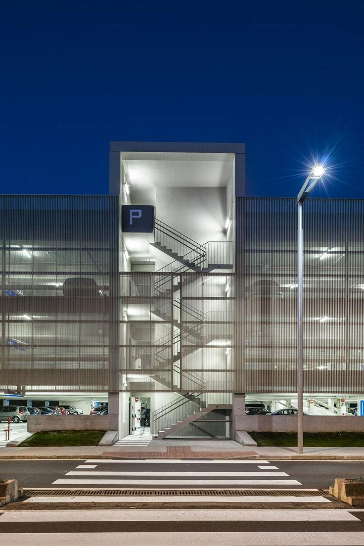Galería de Edificio de Aparcamientos / JAAM sociedad de arquitectura - 6