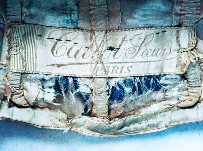 From steamer trunks in a Florentine villa, a hidden trove of gowns by the Callot sisters. New Yorker