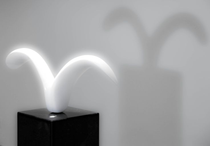 A Galeria de Arte Copasa. Escultura Ricardo Bergmann.