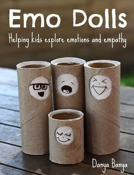 DIY free recycled / upcycled educational toys to help preschool or kindergarten aged kids explore emotions, facial expressions and empathy through play. ~ Danya Banya #roleplay #dolls