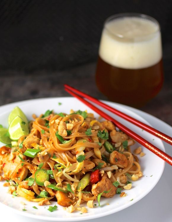 Brown Rice Noodles Pad Thai with Chicken and Tofu #ProteinPacked #PadThai