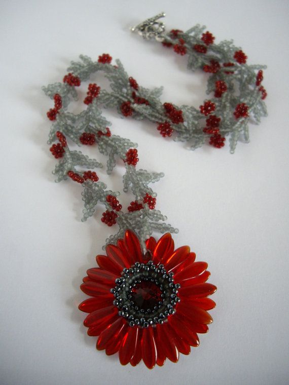 Daisy necklace Red daisy necklace Seed bead by MisakoBeads on Etsy, £33.00
