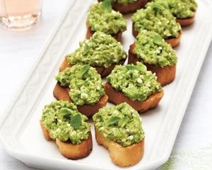 Pea, feta and mint toasts