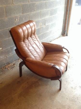 Craigslist find! Westnofa style leather chair for living room.