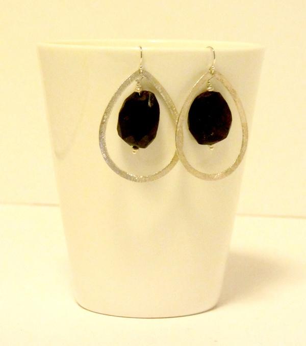 Merlot Drop Earrings  www.etsy.com/shop/NativeJewellery