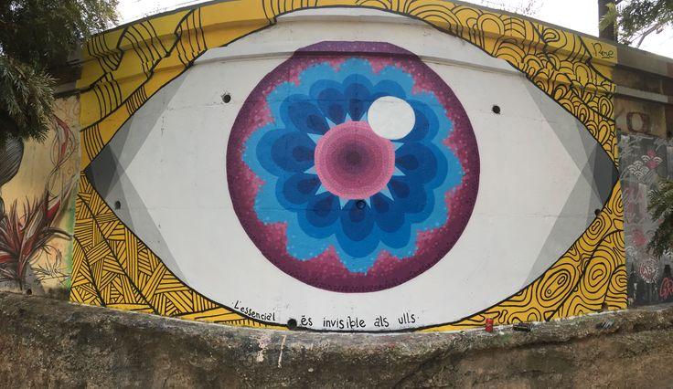 L'essencial és invisible als ulls - #albinismawareness  Mural inspirat en la bellesa d'un iris d'una persona albina. Dedicat a totes les persones que lluiten diàriament contra la societat capacitista perquè esdevingui inclusiva; perquè la diversitat sigui considerada una diferència digna de viure's. El Serrallo, Tarragona, octubre 2016